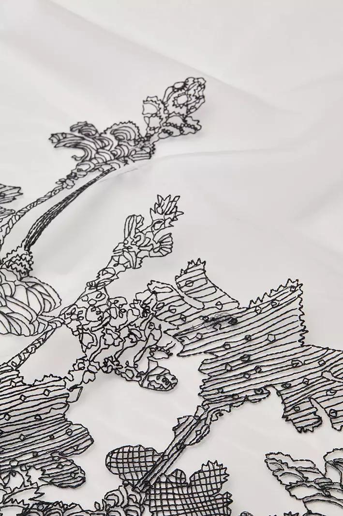 模仿钢笔笔触绘制的简笔画效果,写意风景图案简约,轻柔网面上隐隐凸显